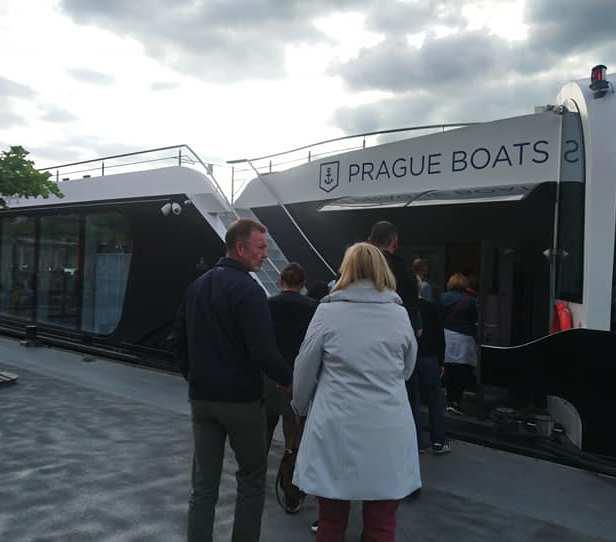 prague boat 1